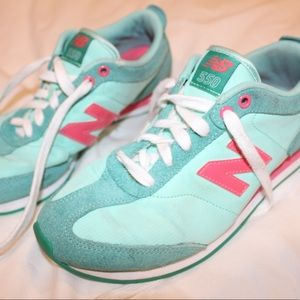 New Balance 550 Sneakers in Turquoise/ Hot Pink